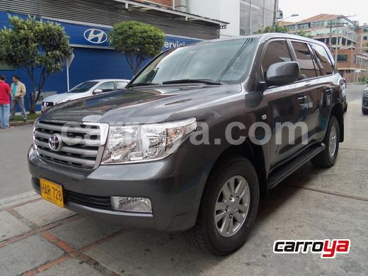 TOYOTA Land Cruiser 200 Imperial Gasolina 2012